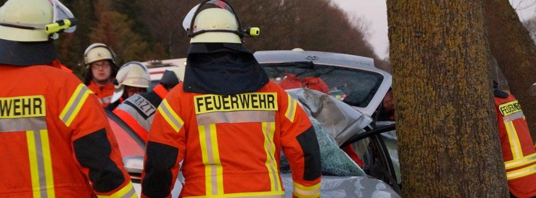 Verkehrsunfall B214 Pennigsehl – Eine eingeklemmte Person