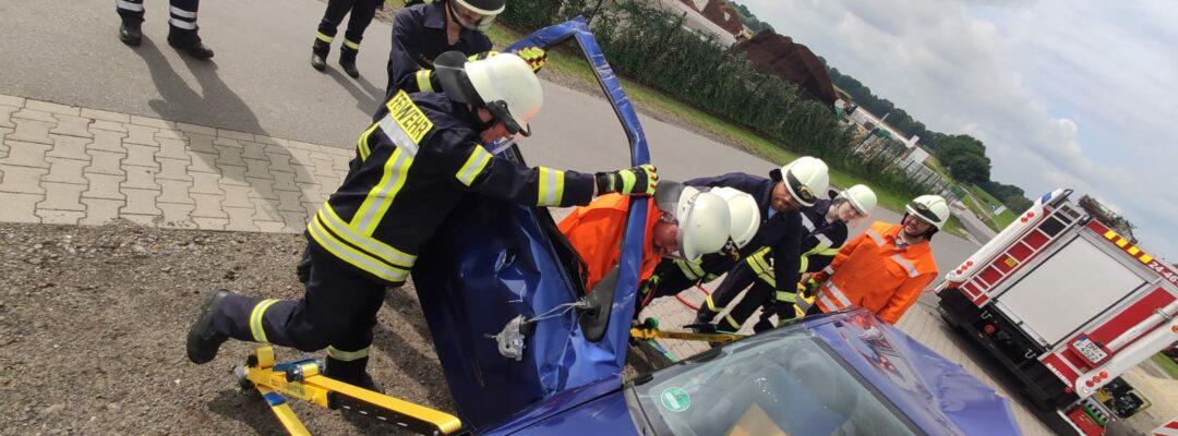 Dienst – Technische Hilfeleistung an einem verunfallten Fahrzeug