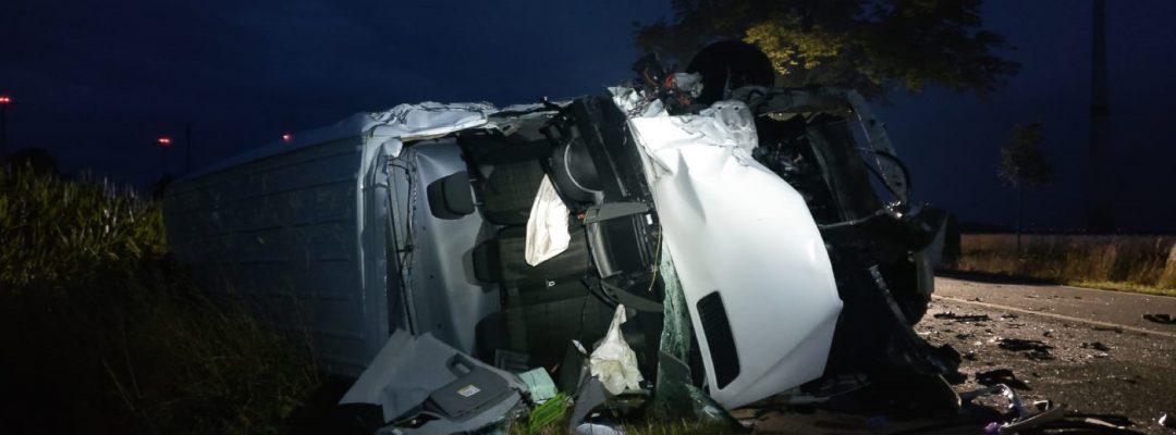 Drei Schwerverletzte bei Unfall auf B214
